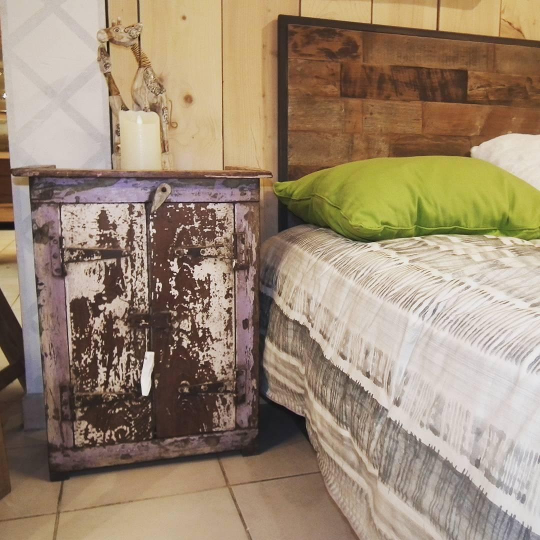 lit en bois ancien canape lit ancien paire de canapacs en acajou dacpoque consulat banquette. Black Bedroom Furniture Sets. Home Design Ideas