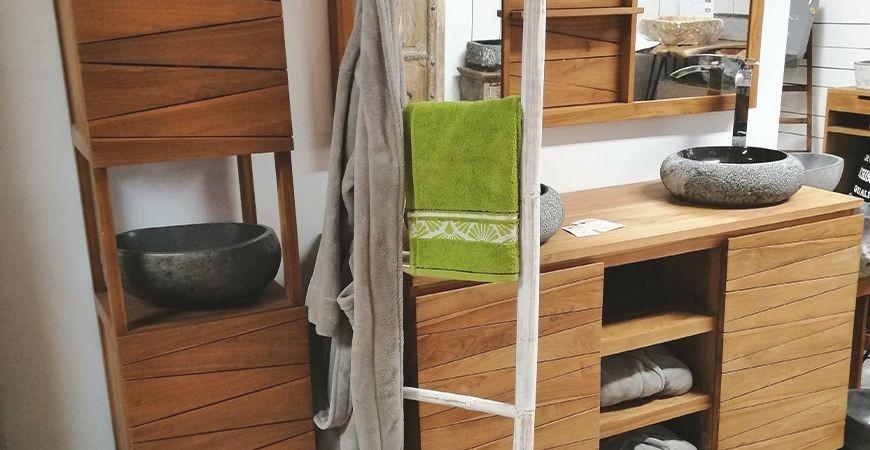 Pourquoi le teck est le bois parfait pour votre salle de bain ?